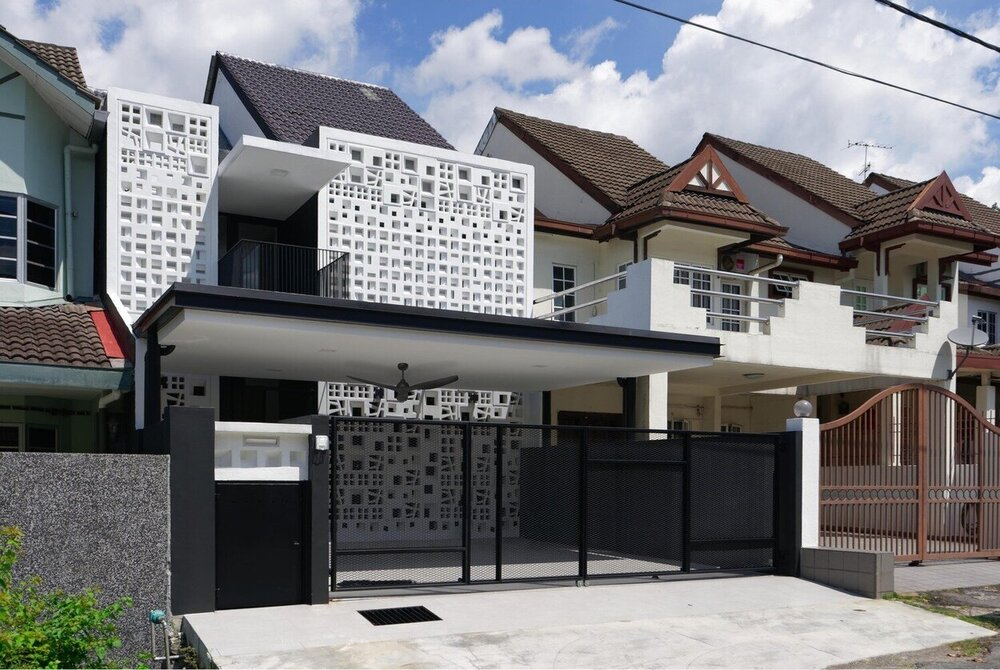 3 COURTYARD HOUSE